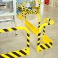 Gerader Schutzbügel mit Anprallschutz im Fußbereich Anwendungsbeispiel